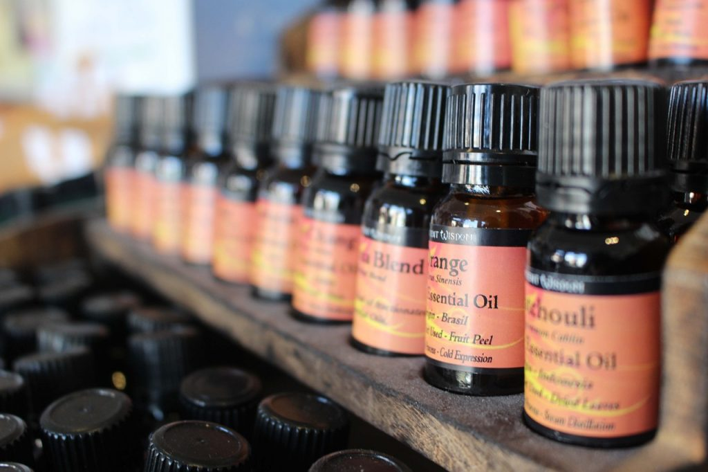 essential oils beauty hacks